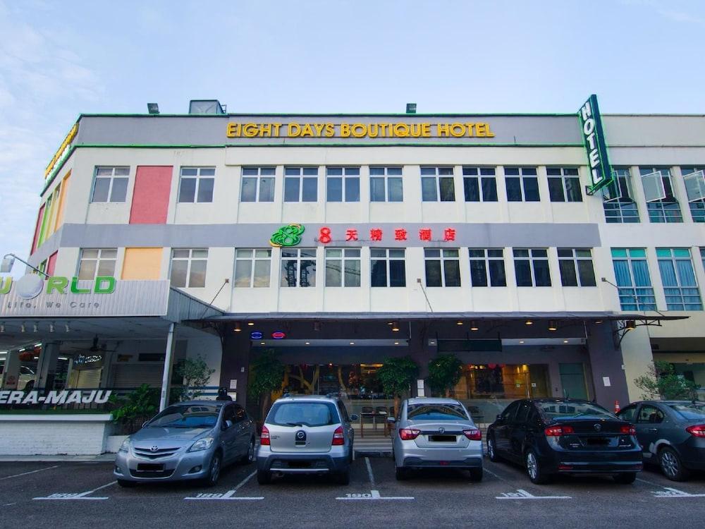 8 Days Boutique Hotel Mount Austin JB Johor Bahru
