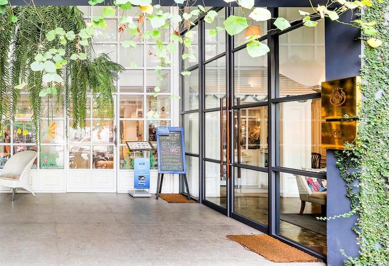 ザ スペーズ ホステル, バンコク, ホテルのフロント
