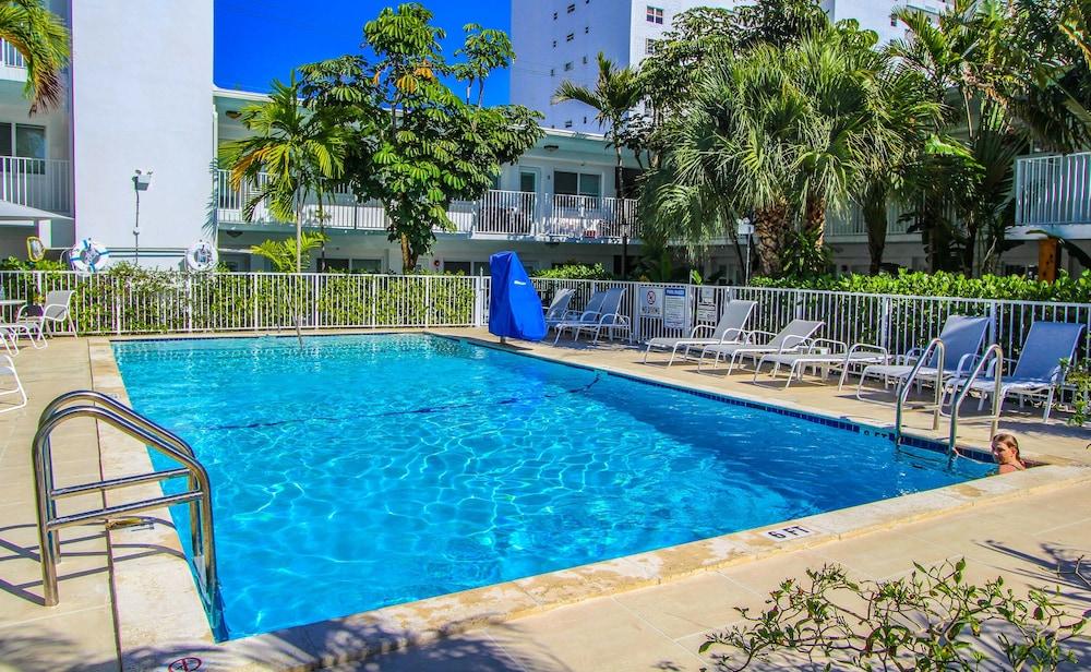 park royal miami beach a vri resort miami beach florida. Black Bedroom Furniture Sets. Home Design Ideas