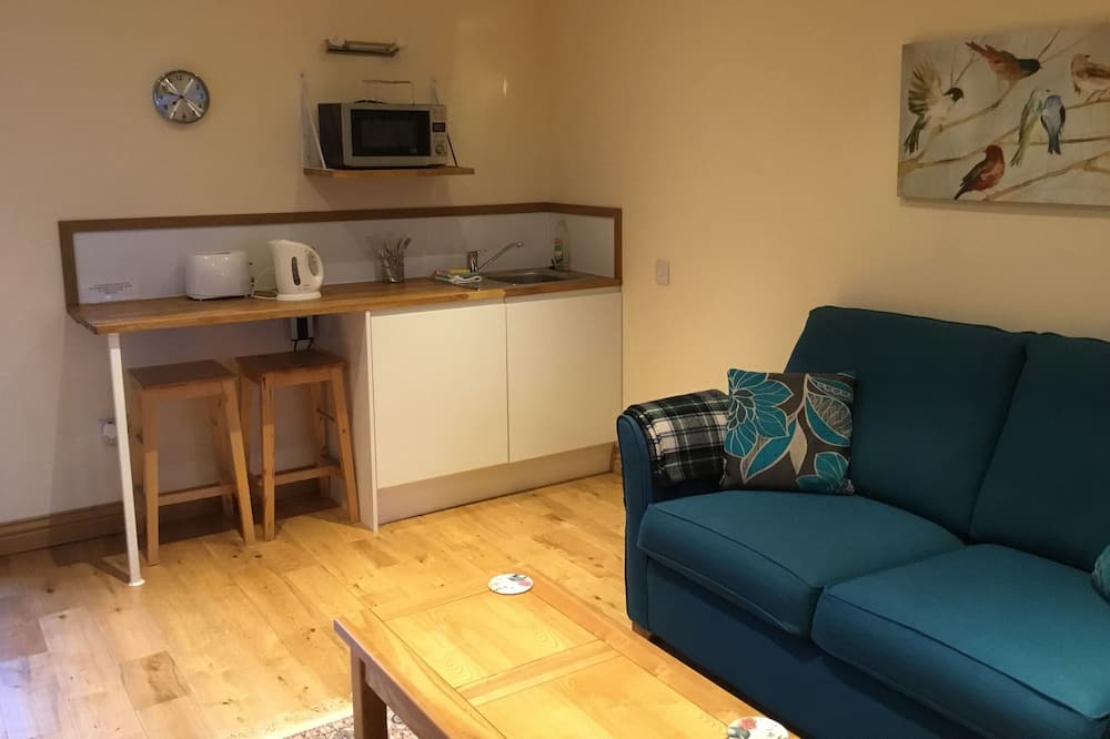 Apartment, 1 Bedroom (Twin Beds) - Living Area