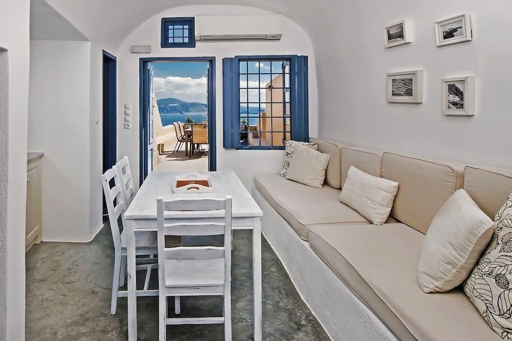 Studio – romantic, 1 dobbeltseng, utsikt mot sjø, sjøvendt - Stue