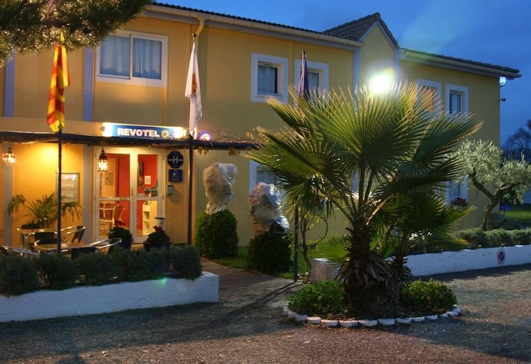 Brit Hotel Salon de Provence, Salon-de-Provence, Façade de l'hôtel - Soir/Nuit