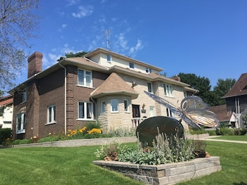 Picture of Butterfly Manor Bed & Breakfast in Niagara Falls