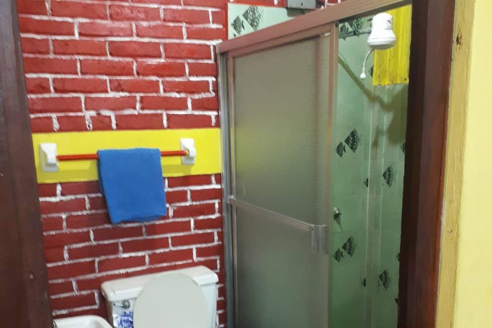 غرفة مزدوجة مريحة للاستخدام الفردي - حمّام