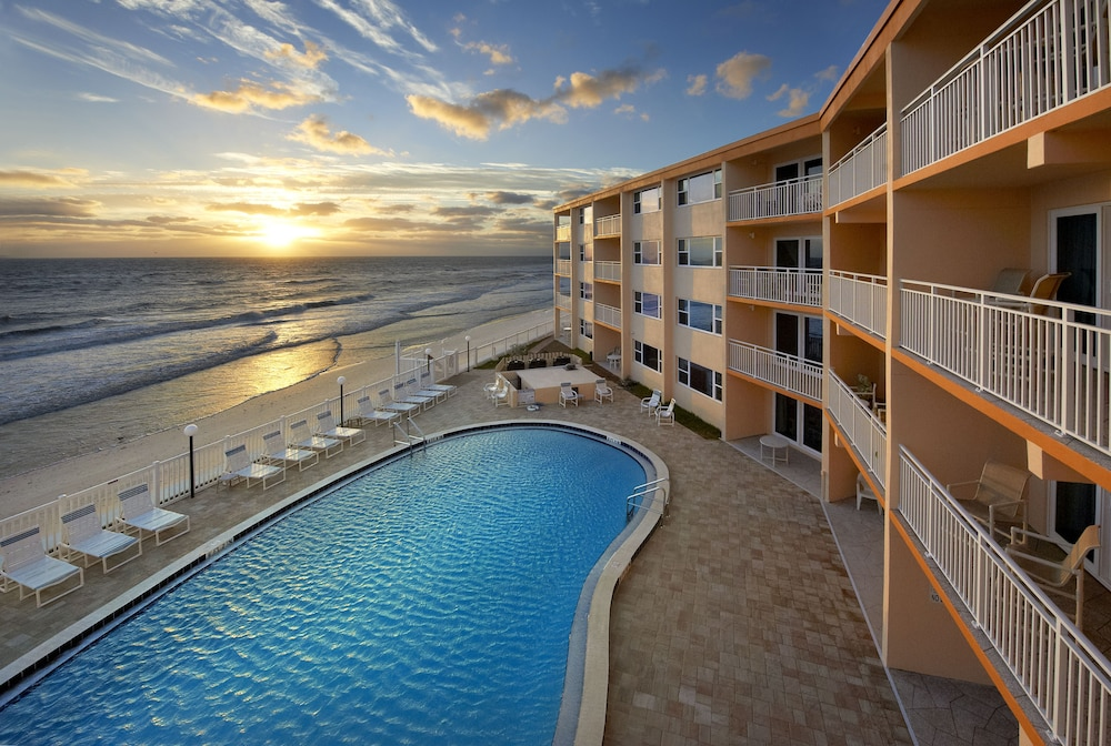 Paradise Beach Club Stay In Cocoa Satellite