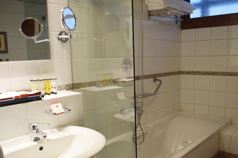 Suite, 1 Bedroom (Al Eman) - Bathroom