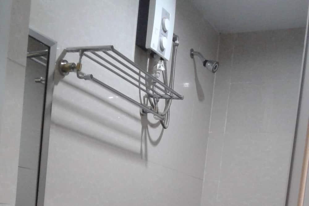 Deluxe-Zweibettzimmer - Badezimmer