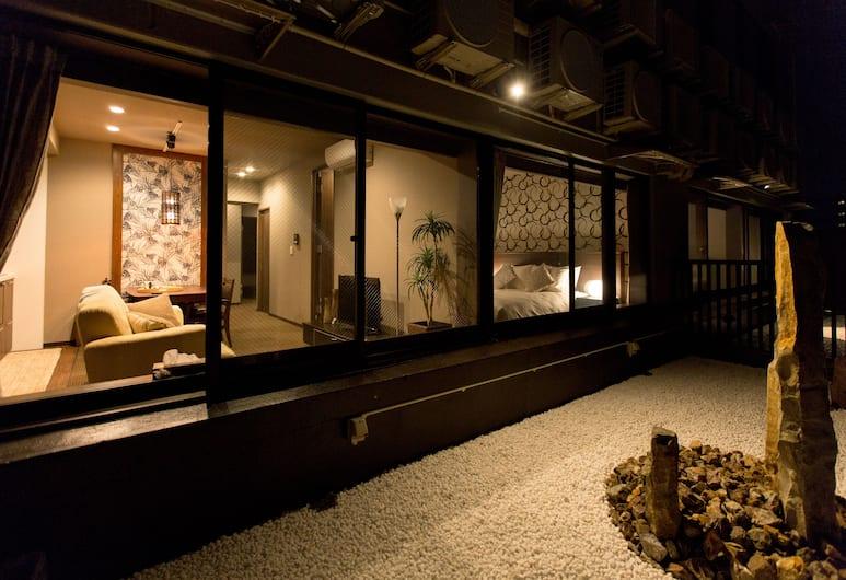 R&Run Kyoto serviced apartment & suites, Kyoto, Luxury Apartment, 3 Bedrooms, Non Smoking, Kitchen, Terrace/Patio