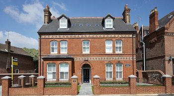 Picture of 28 Castle Crescent By Esa in Reading