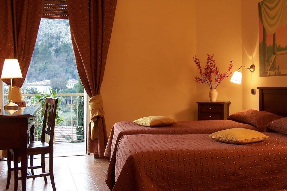 Triple Room, 1 Bedroom - Balcony