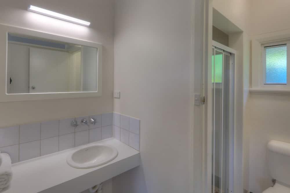 Basic-Doppelzimmer, 1 Queen-Bett, Bergblick - Badezimmer