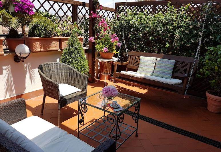 Althea Inn Roof Terrace, Rome, Suite (Michelangelo), Terrace/Patio