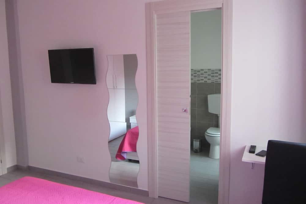 Chambre Triple Supérieure, salle de bains attenante - Chambre