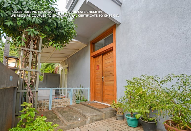 ZEN Rooms Puri Indah Syariah, Jakarta, Garden