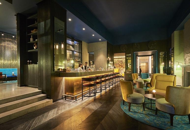 Fairmont Amman, Ammán, Bar del hotel