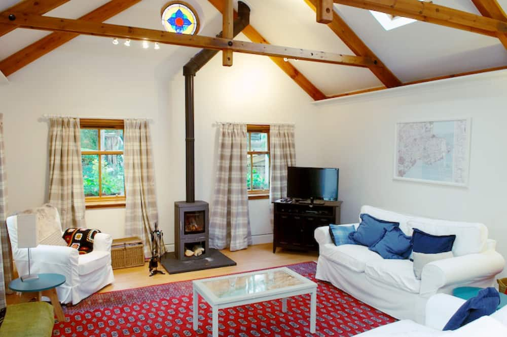 Family Cottage, 2 Bedrooms, Garden View - Living Area