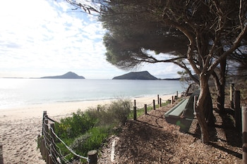 Picture of Beachfront Shoal Bay in Nelson Bay