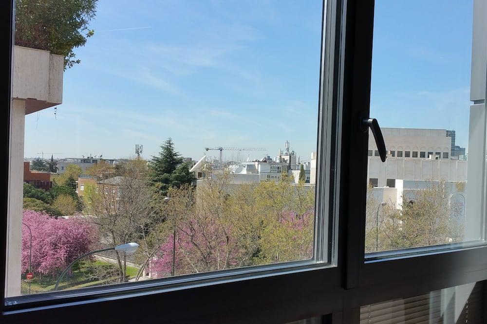 Apartment, 2 Bedrooms (3B) - City View