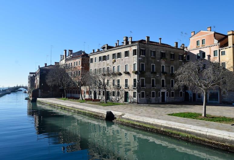 Ca' de la Vida, Benátky, Exteriér