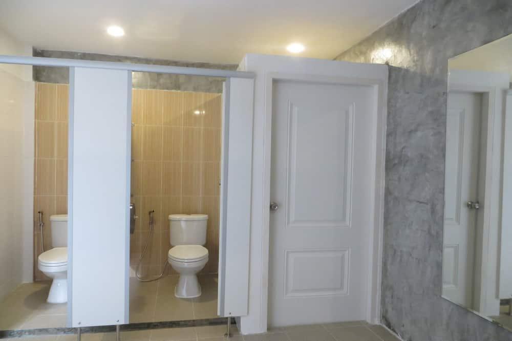 Twin Room with Shared Bathroom - Koupelna