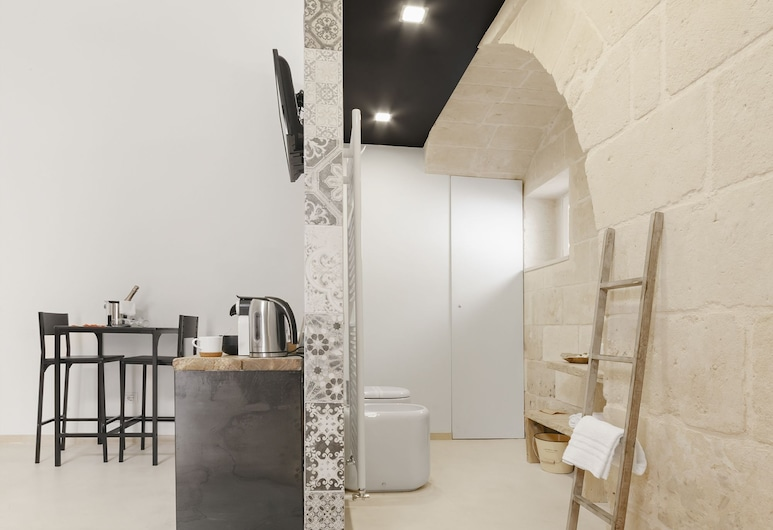 Hydria Residence, Matera, Suite, Bathtub, Guest Room