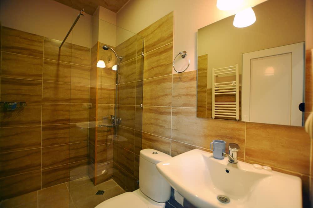 Standard-Doppel- oder -Zweibettzimmer, Hügelblick - Badezimmer