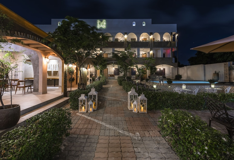 修道院套房酒店, 奥蘭葉施塔德, 住宿正面 - 夜景