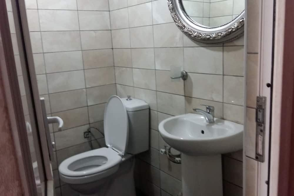 Superior Shared Dormitory, Women only (8 Pax) - Bathroom
