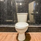 Standard Quadruple Room, Shared Bathroom - Bathroom