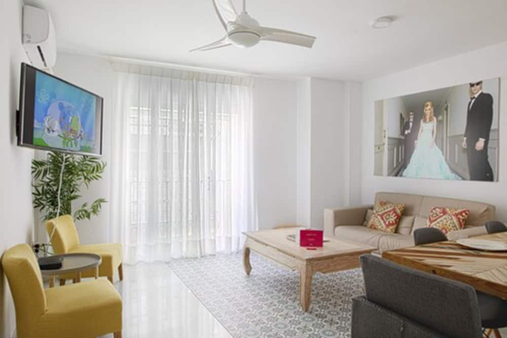 Family Apartment - Room