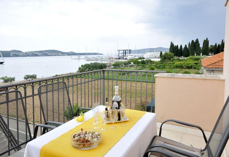 Apartments Roza, Trogir, Pogled iz objekta