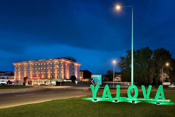 Enter your dates for special Yalova last minute prices