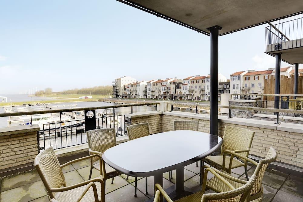 Suite (Waterfront VIP) - Balcony