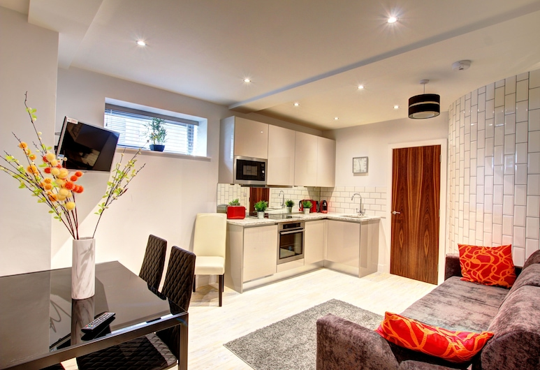 Piccadilly Suites, Manchester, City Apartment, 1 Bedroom, Private Bathroom, Living Area