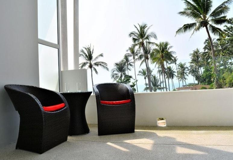 Coconut Bay Club Suite 302, Ko Lanta, 1-Bedroom Studio (Not Included Electricity), Balkon