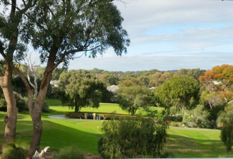 Joondalup Golf Retreat, Connolly