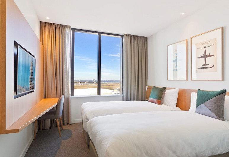 Mantra Hotel at Sydney Airport, Mascot, Studio  King  Airport View, Guest Room