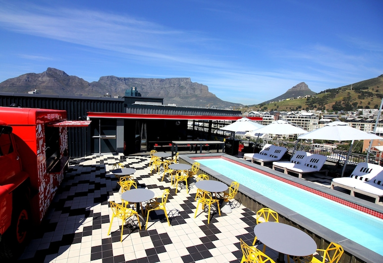 Radisson RED Hotel V&A Waterfront Cape Town, Cape Town