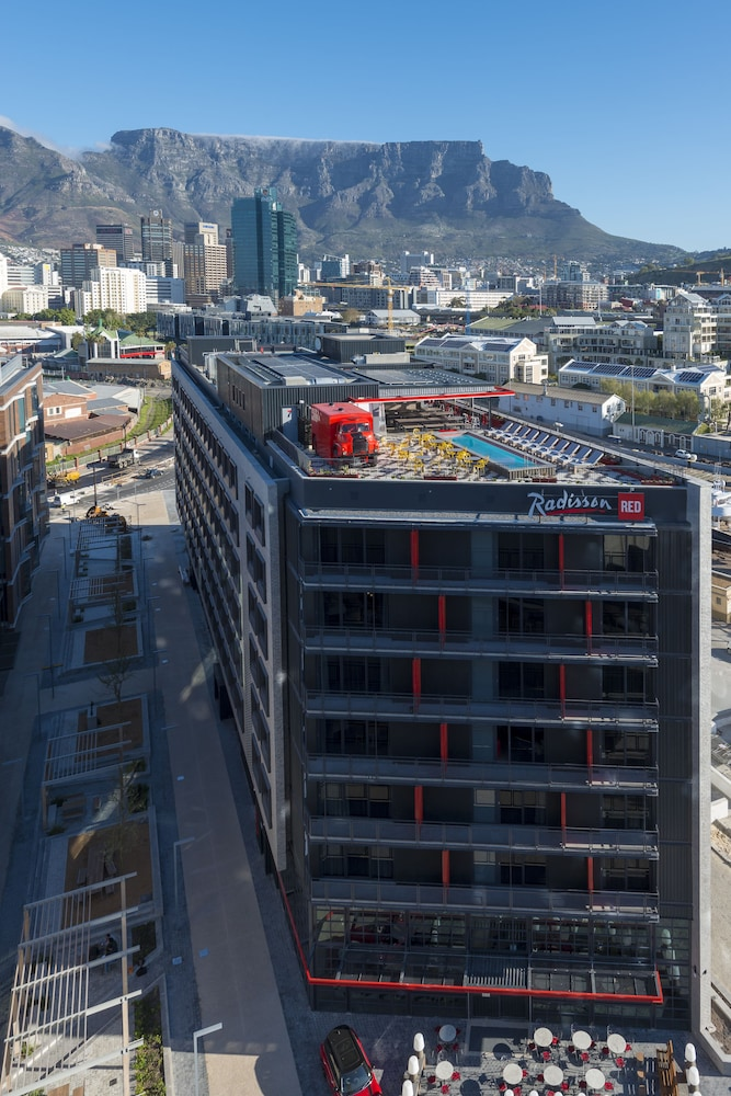 Book Radisson Red Hotel V A Waterfront Cape Town In Hotels