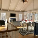 Modern Mountain Home TO View THE Fall Foliage - Stay 7 Nights & GET 1 Free, North Conway