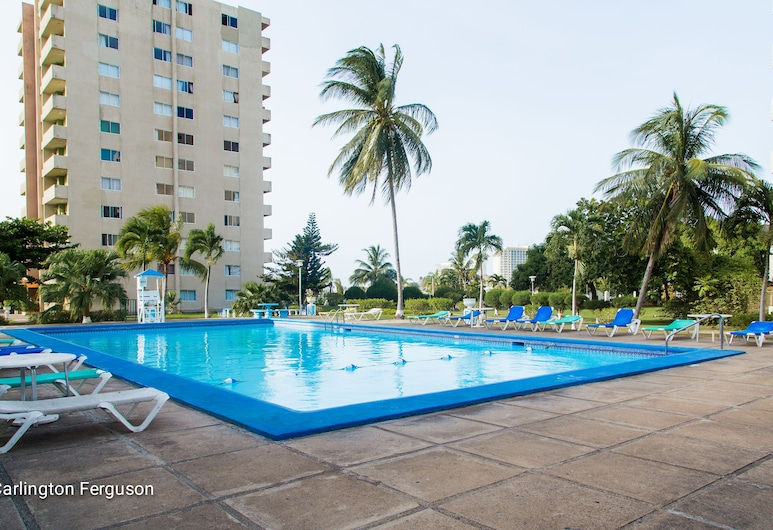 Turtle Towers Apartments, Ocho Rios, Außenpool