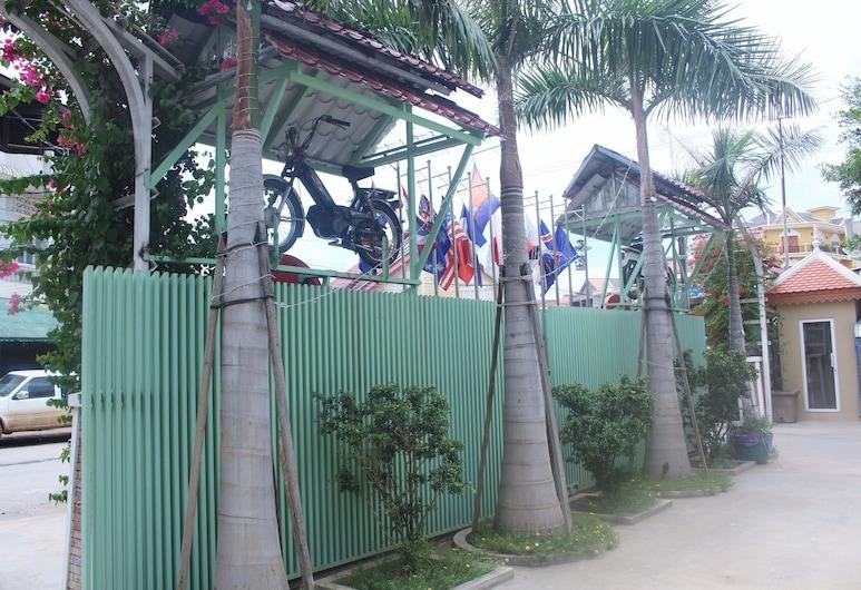 L.A Hotel, Battambang, Property Grounds