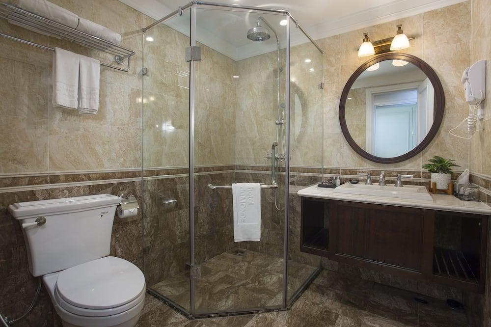 Deluxe-Doppel- oder -Zweibettzimmer, 1 Schlafzimmer, Stadtblick - Badezimmer