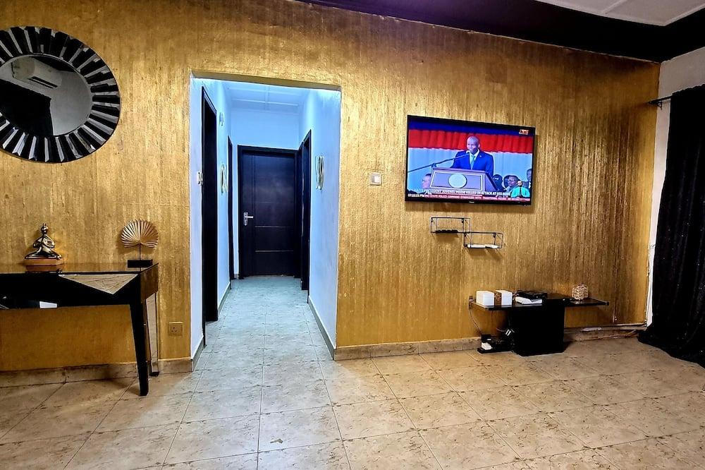 Apartment, 3 Bedrooms, Kitchen - Ruang Tamu