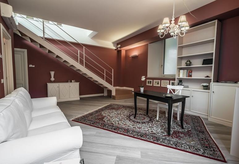 Residenza Cavour, Acireale