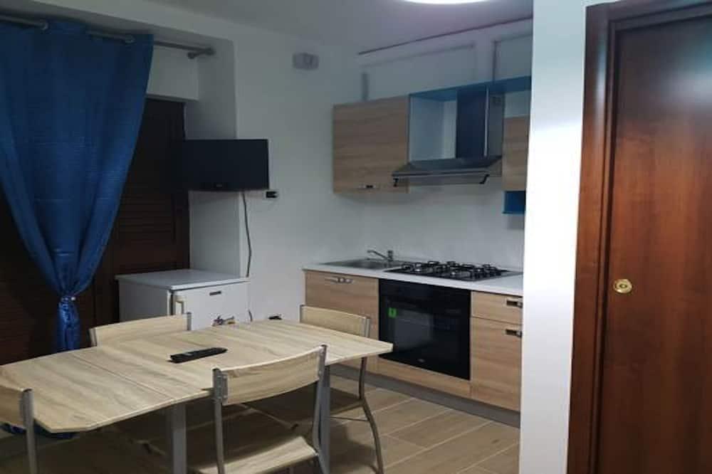 Studio, Kitchenette - In-Room Dining