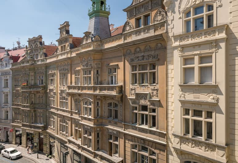 Mordecai Twelve, Prague, View from property