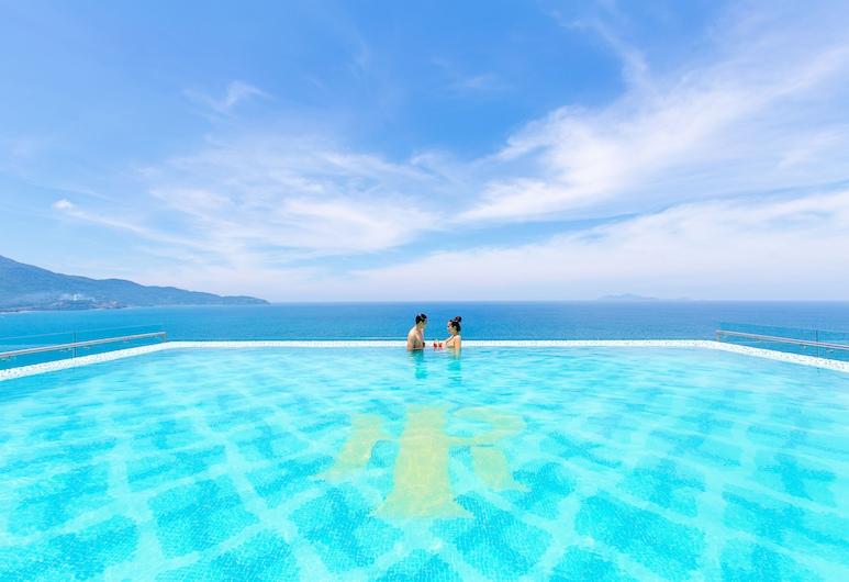 峴港曼迪拉海灘飯店, 峴港, 室外游泳池