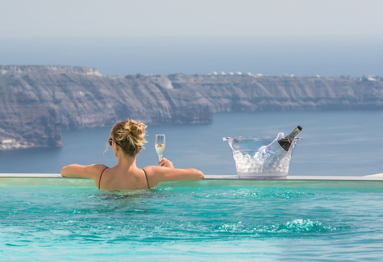 Mythical Blue Luxury Suites, Santorini, Piscina Exterior
