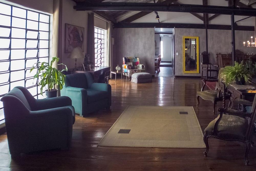 Family Loft, Multiple Beds - Living Area